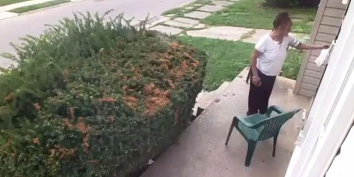 Woman rubs feces on neighbors' door in retaliation for dog pooping in yard