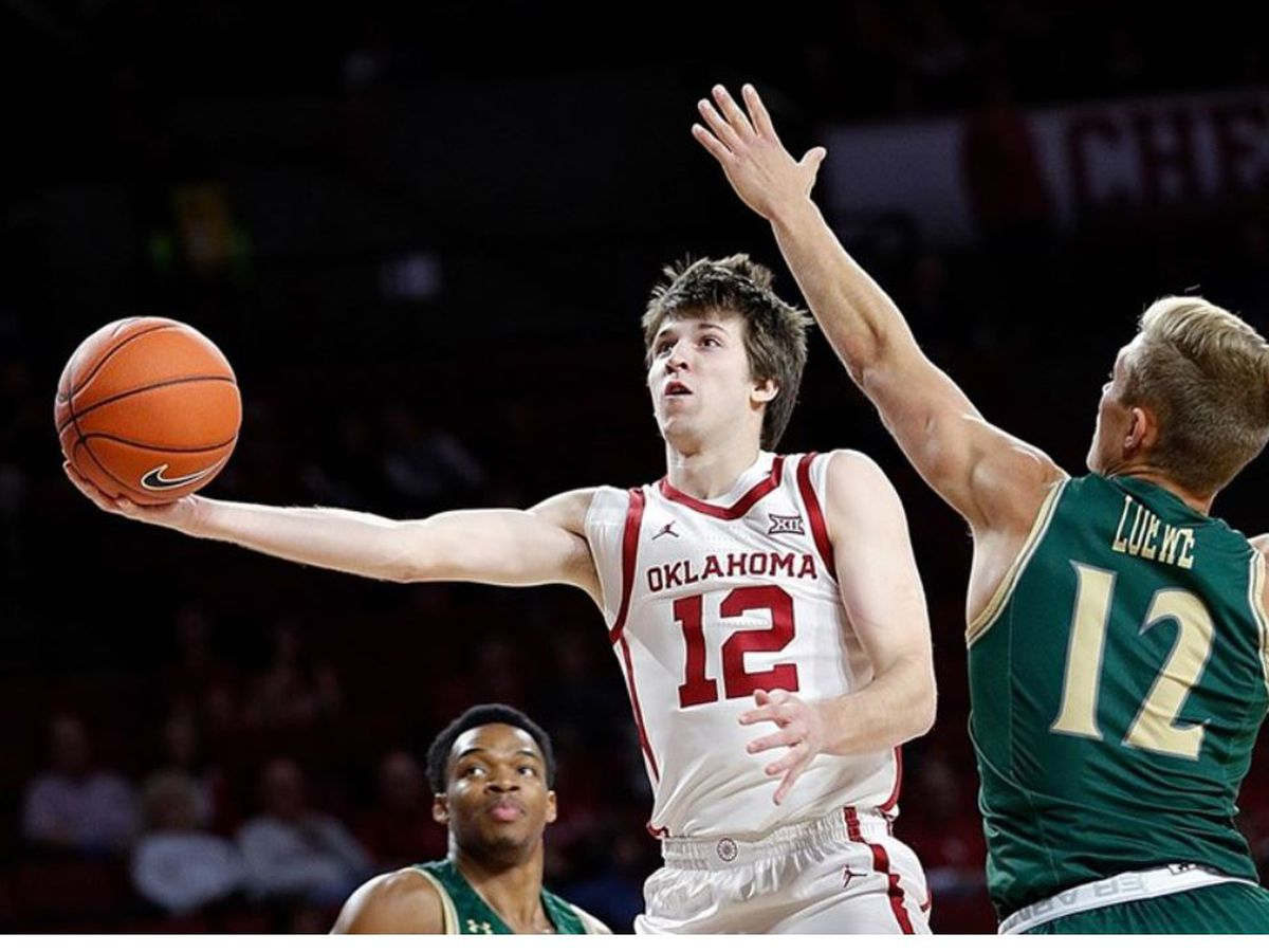 Austin Reaves with 18 points as Oklahoma beats William & Mary