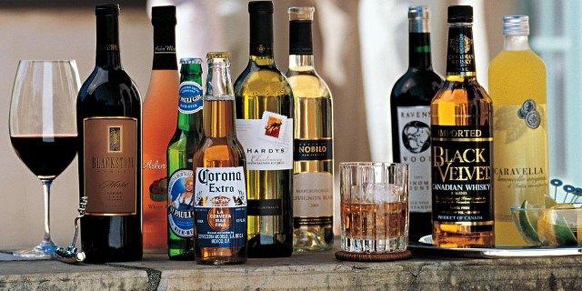 Police: Despite IDs, restaurant workers served liquor to minors