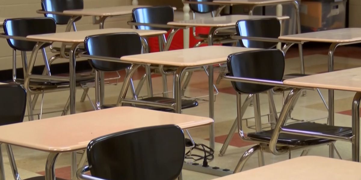 Sen. Hawley makes proposal to restrict funds to schools not holding in-person classes