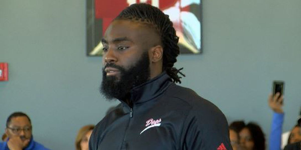 Demario Davis hosts 7-on-7 tryouts in Madison