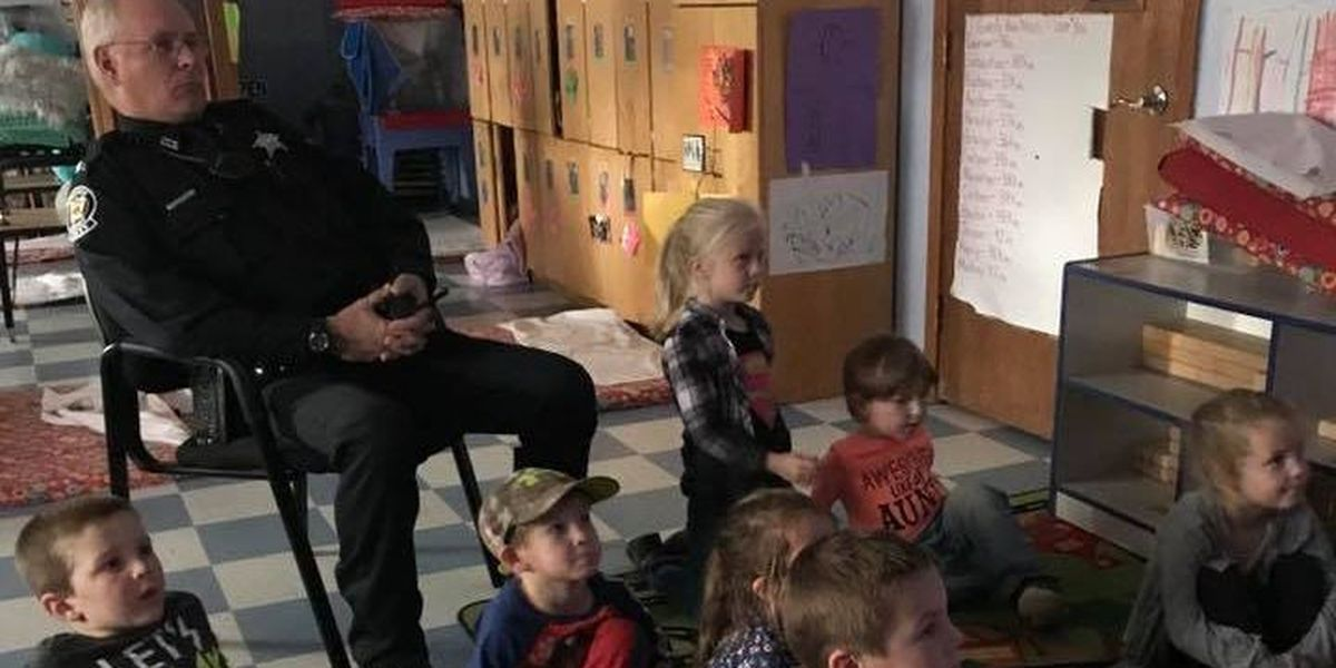 GR8 Job: Deputy brings timeless classic to young students' attention