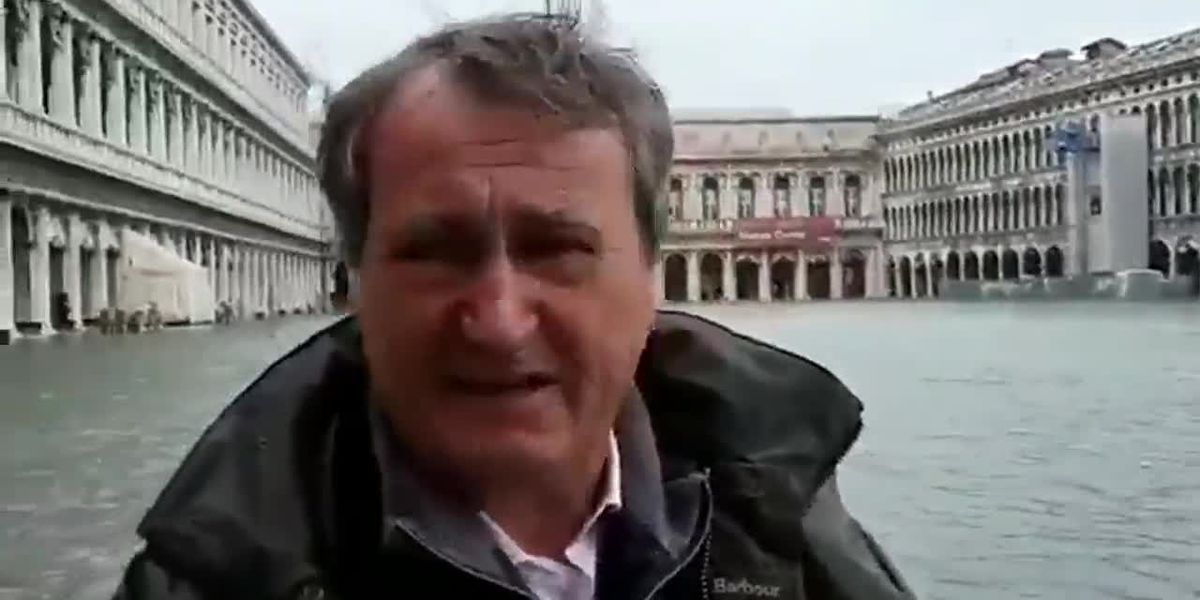 Mayor of Venice closes St. Mark's Square