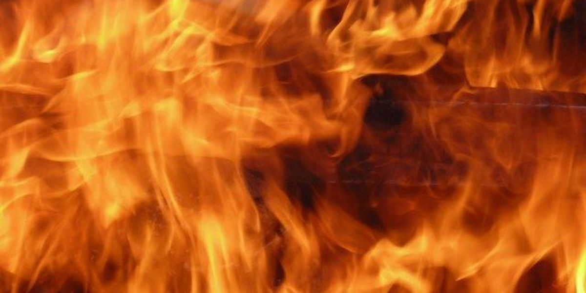 Kitchen fire spreads in home
