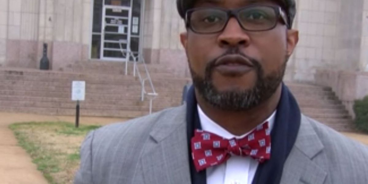 Arkansas attorney general hopeful campaigns in Texarkana