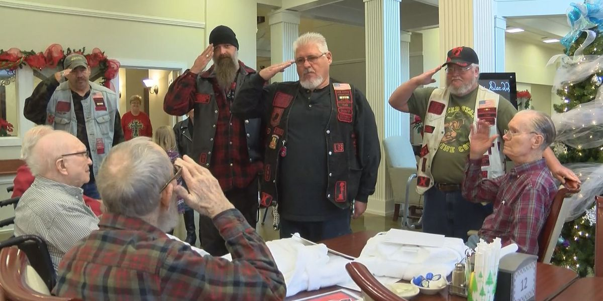 Veterans honored with robes, letter from AR governor