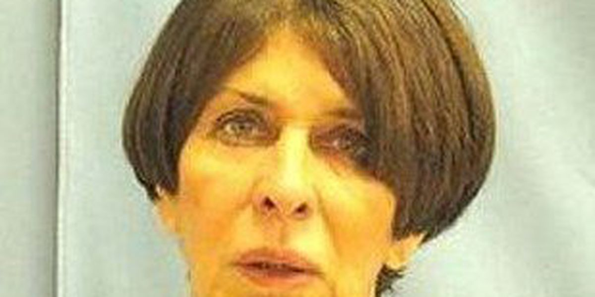 Prosecutor asks court to dismiss charges against Martha Shoffner