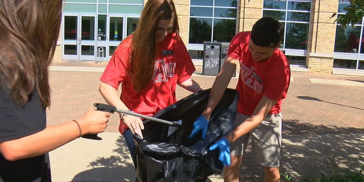 A-State students clean up campus
