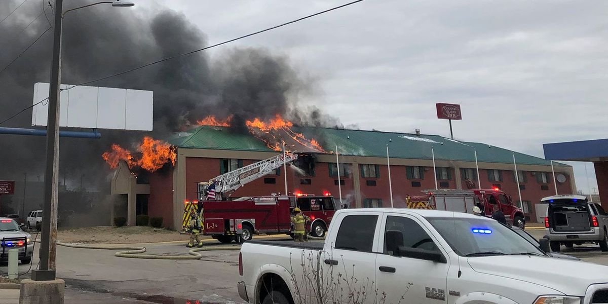 Building inspector condemns Miner, MO hotel after fire