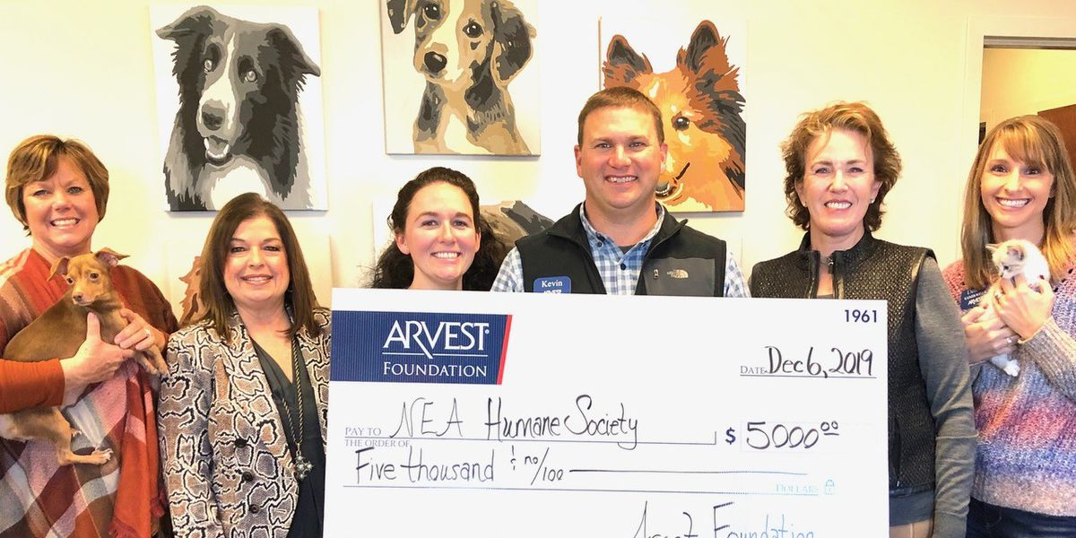Northeast Arkansas Humane Society receives donation from Arvest Foundation