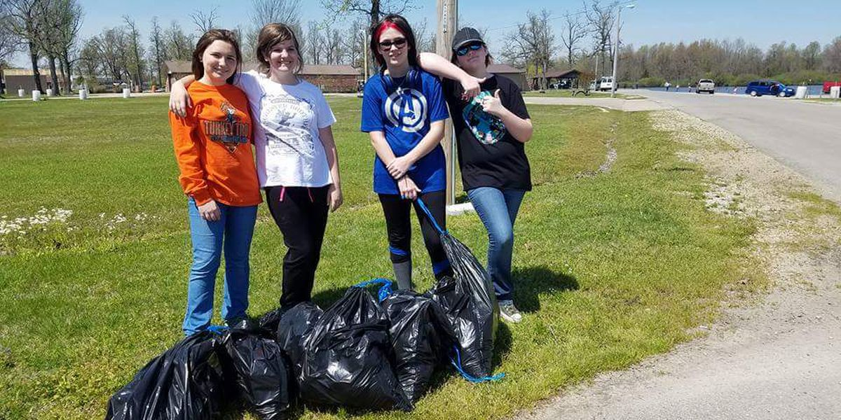 GR8 Job: Girl Scouts clean area parks
