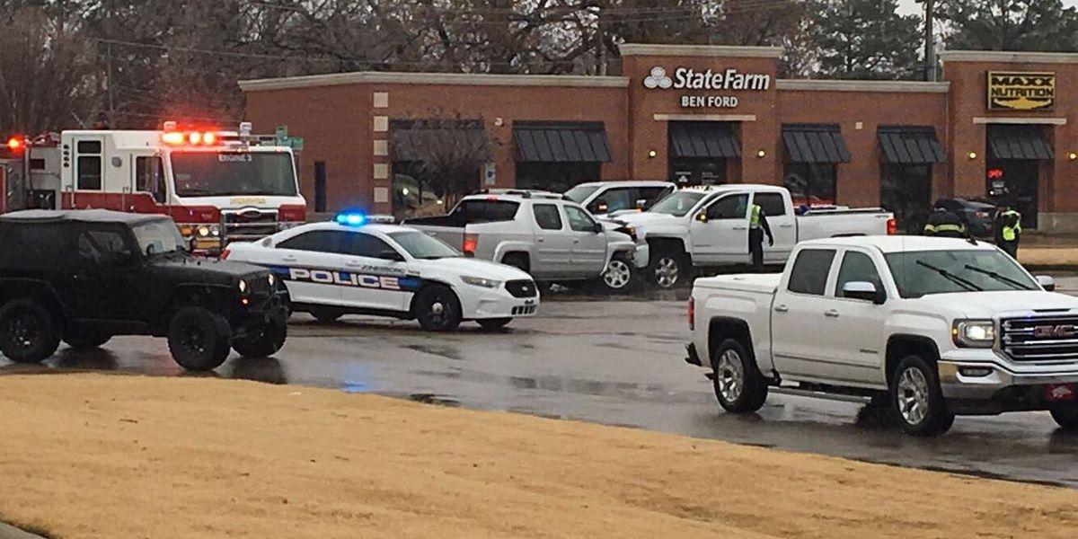 Injuries reported after multi-vehicle crash in Jonesboro