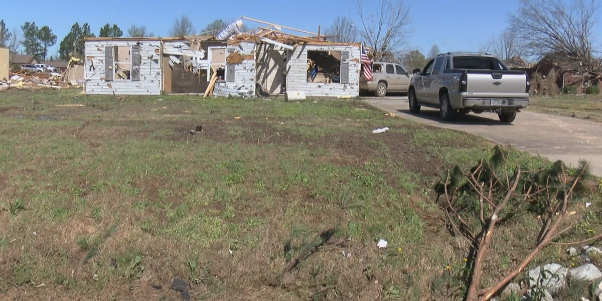 March 31: Hundreds of homes damaged/destroyed; businesses lending a helping hand