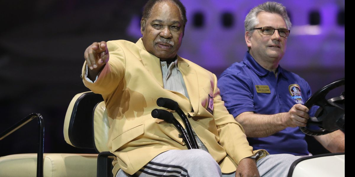 Pro Football Hall of Famer Bobby Mitchell dies at 84