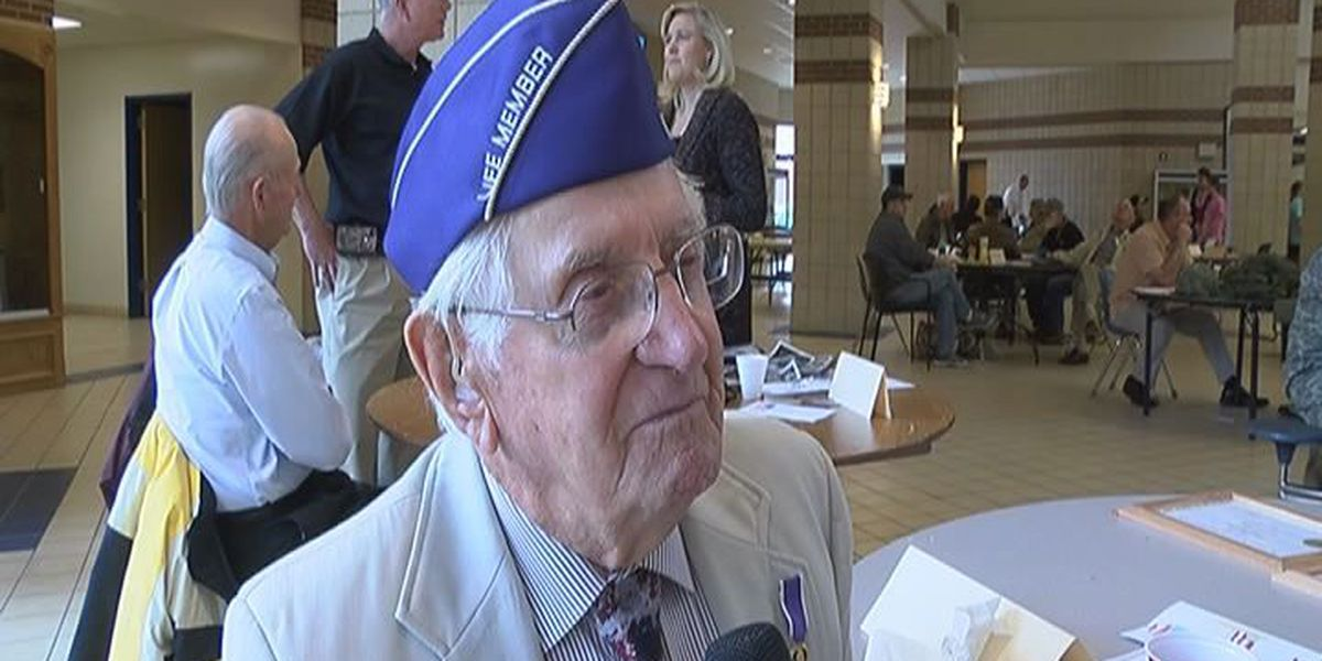 Region 8 school honors veterans by listening to their stories