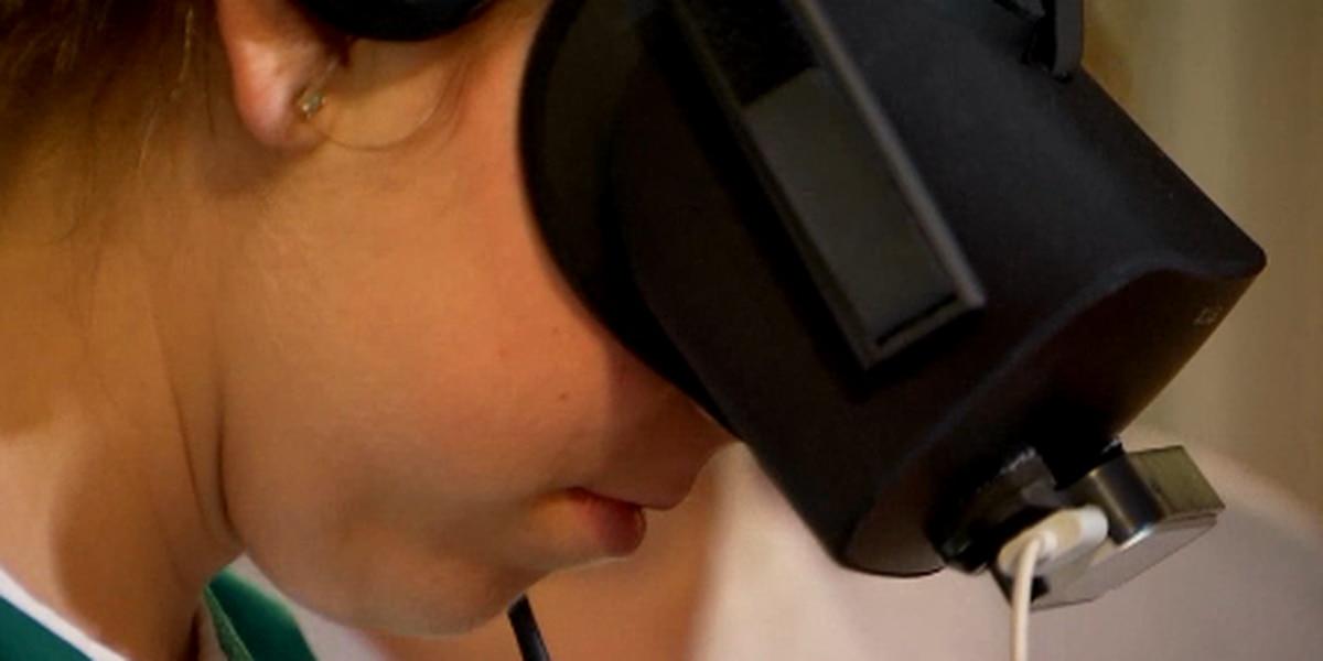 Nursing students sharpen skills with virtual reality