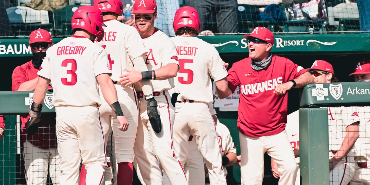 Diamond Hogs complete sweep of Murray State to improve to 10-0