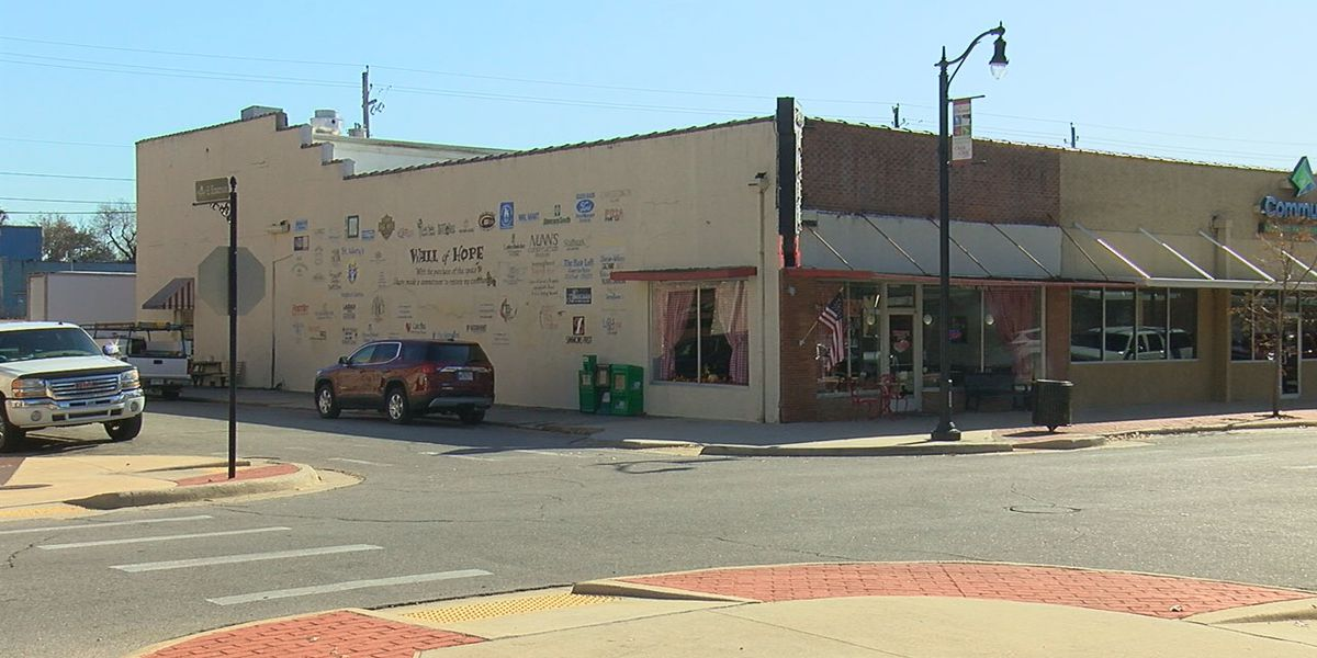 Artists needed for downtown restoration