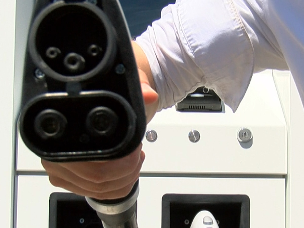Missouri utility program to build more electric car chargers