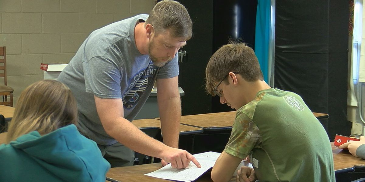 School adds criminal justice course to public service program