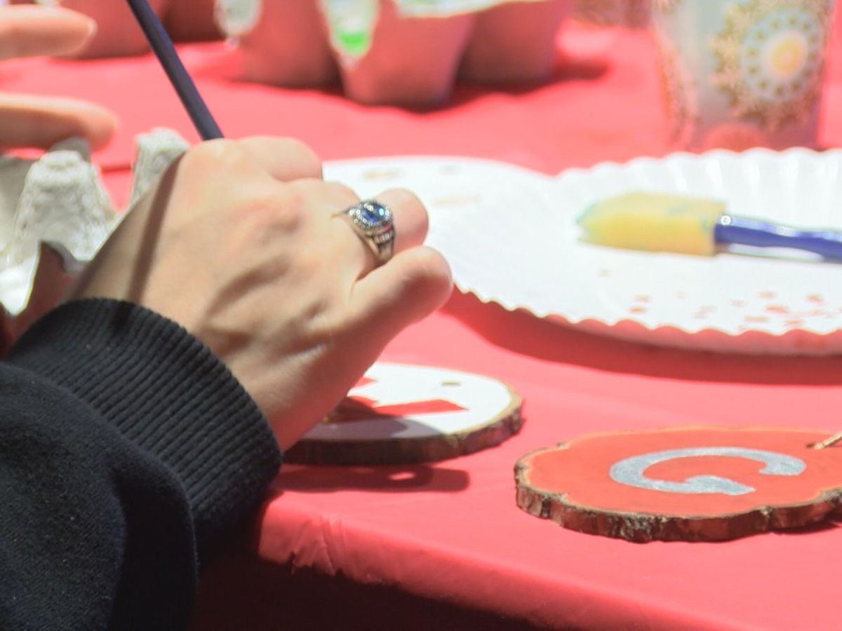 Crowley's Ridge State Park hosts Christmas ornament, food drive workshop