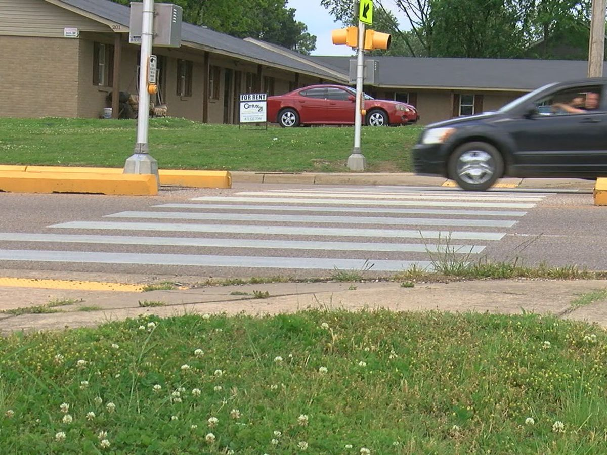 City officials to remove temporary pedestrian crossing on Johnson Avenue