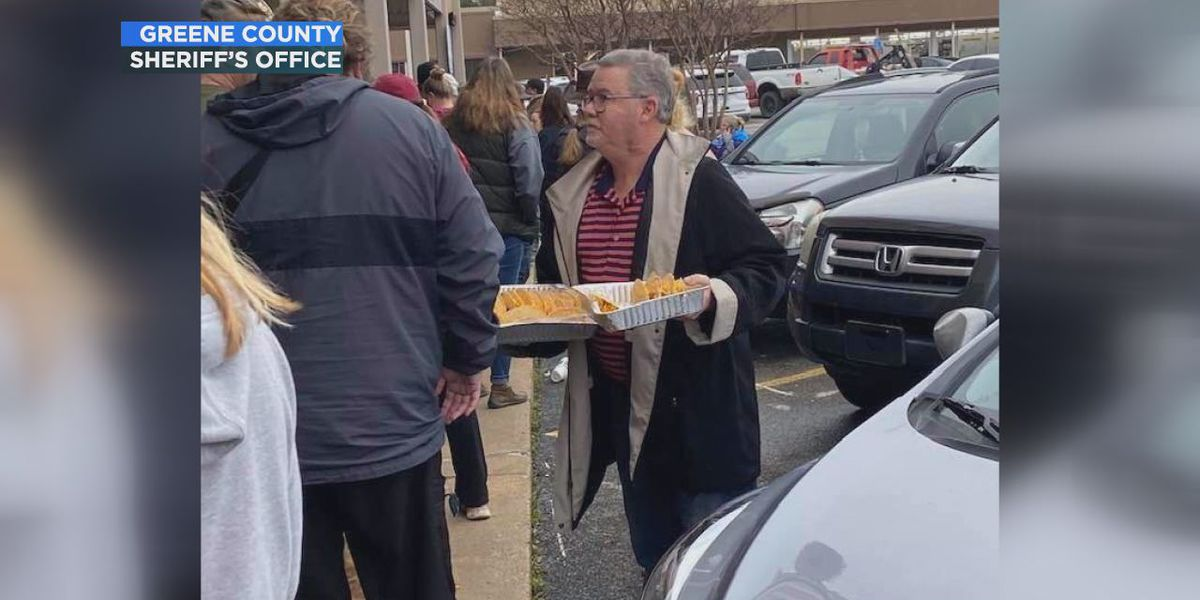 Paragould business owner offers tacos during school crisis