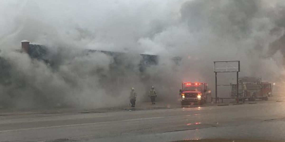 Blytheville fire crews battle vacant warehouse fire
