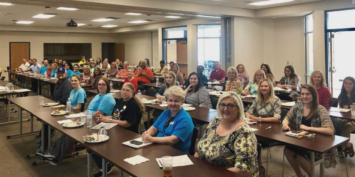 Tourism, healthcare, dining employees learn ways to keep them coming back