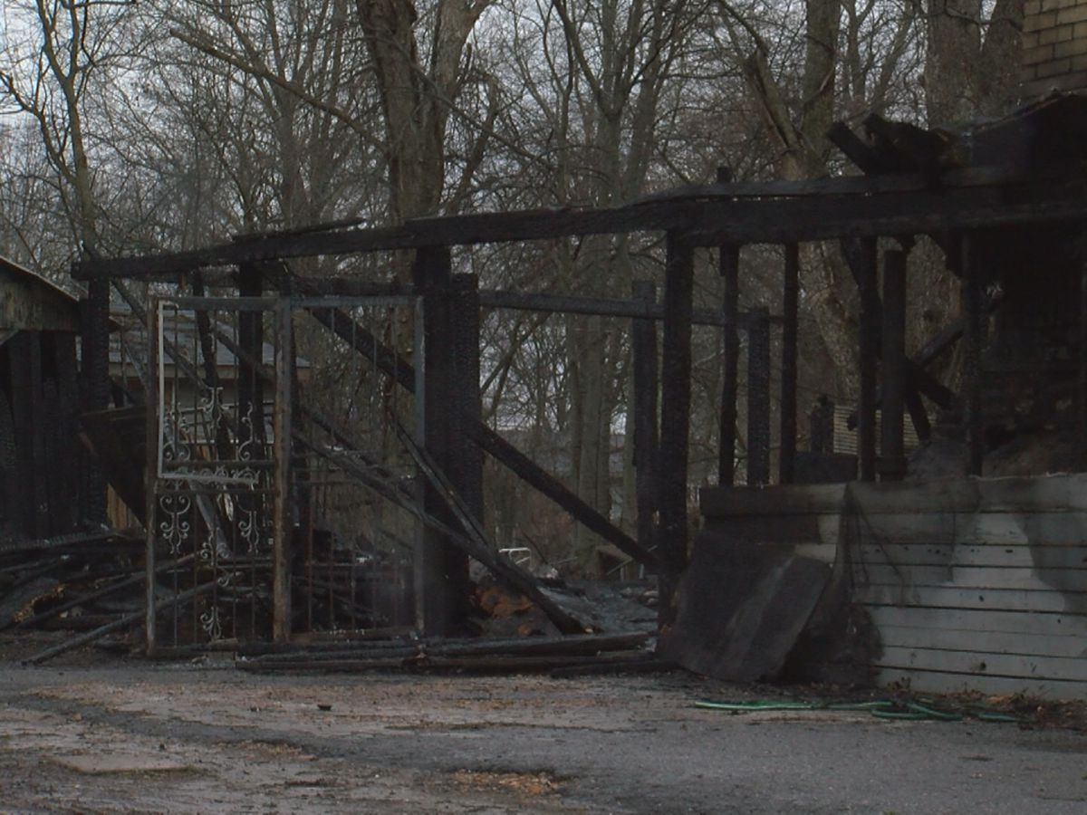 Fire damages historic Marianna Bar-B-Q diner
