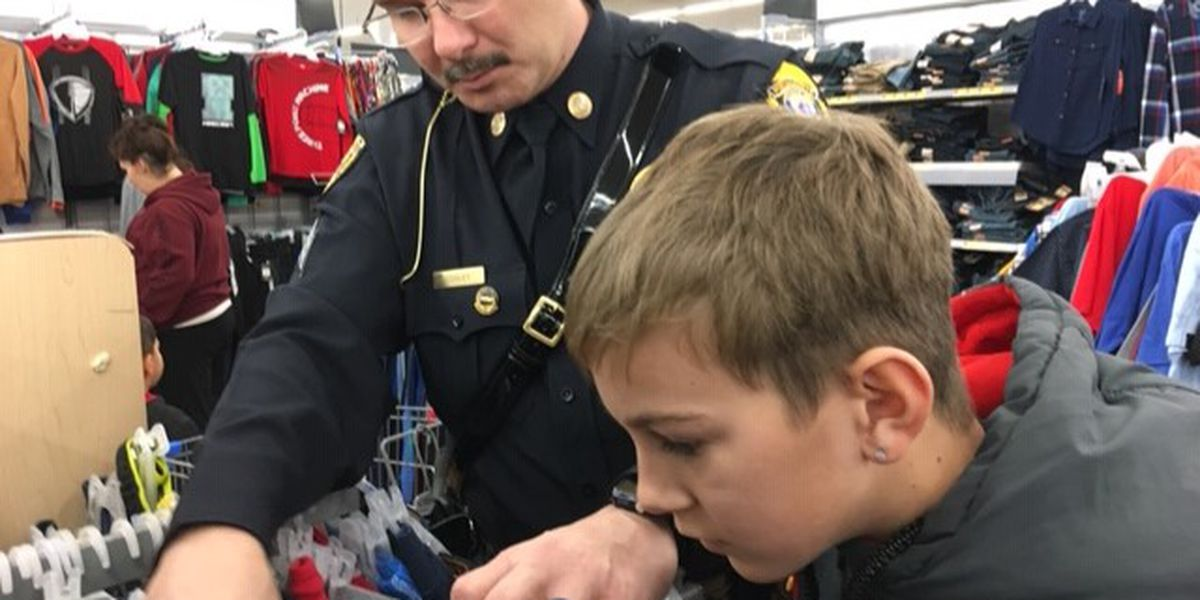 Portageville officers help out kids with Christmas gifts