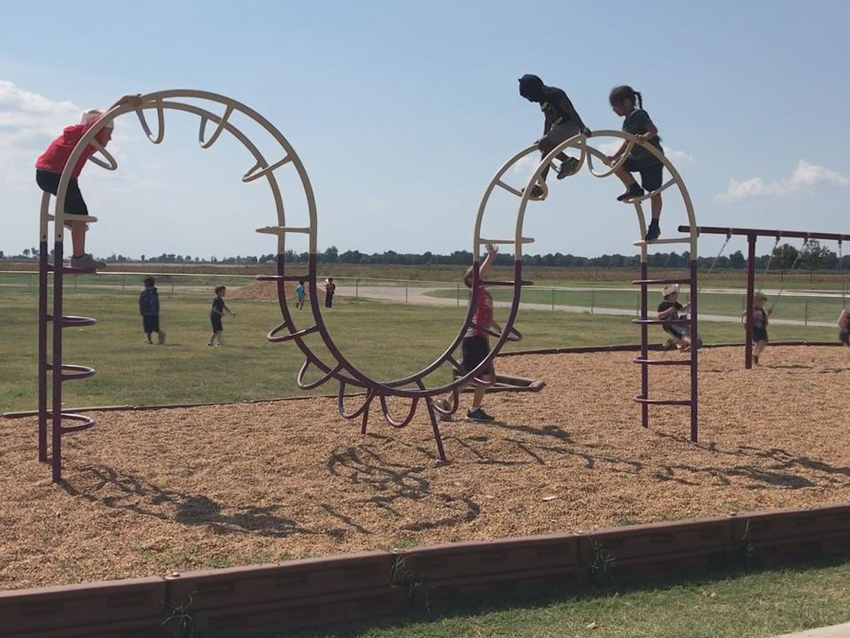 Riverside East Elementary gets new playground
