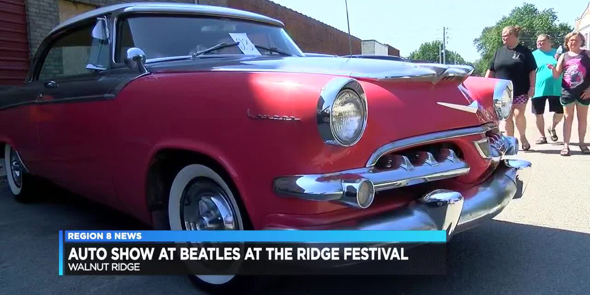 Auto show at Beatles on the Ridge festival