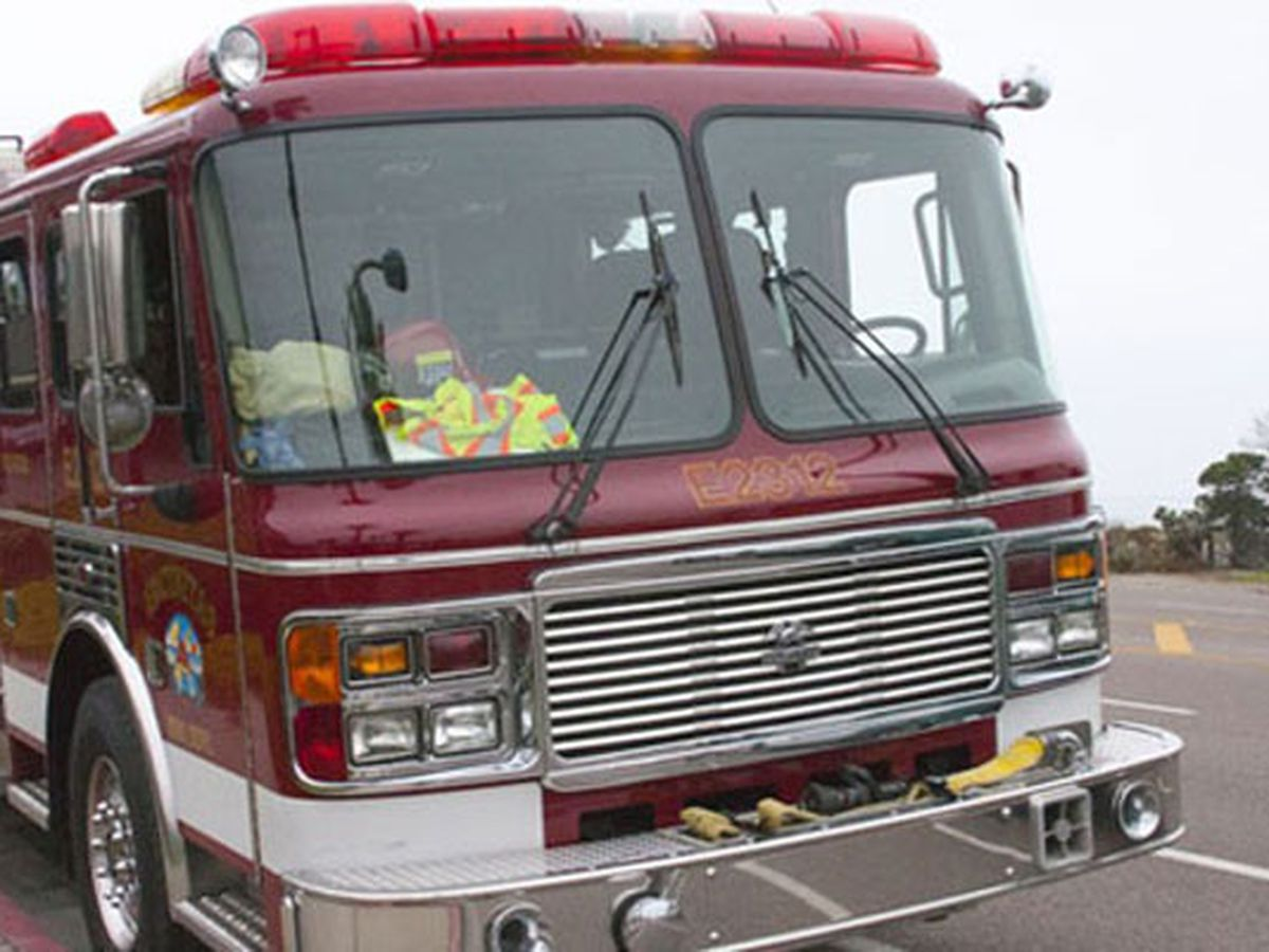 Crews battle blaze in Poplar Bluff