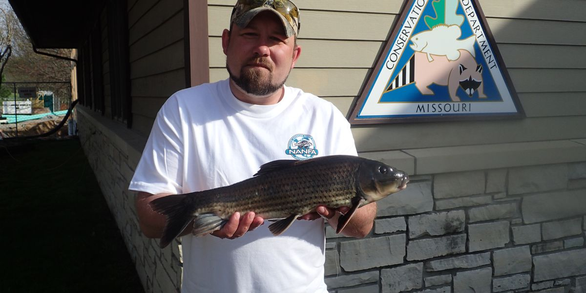Poplar Bluff angler receives certification for world-record catch