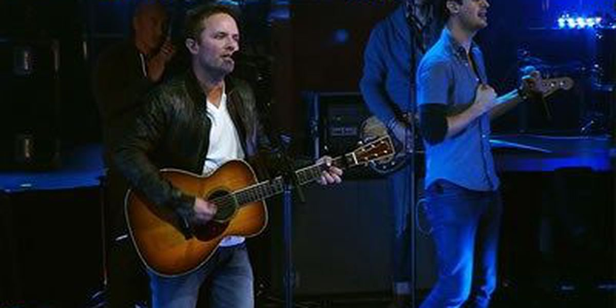 Chris Tomlin Text-To-Win Ticket Giveaway