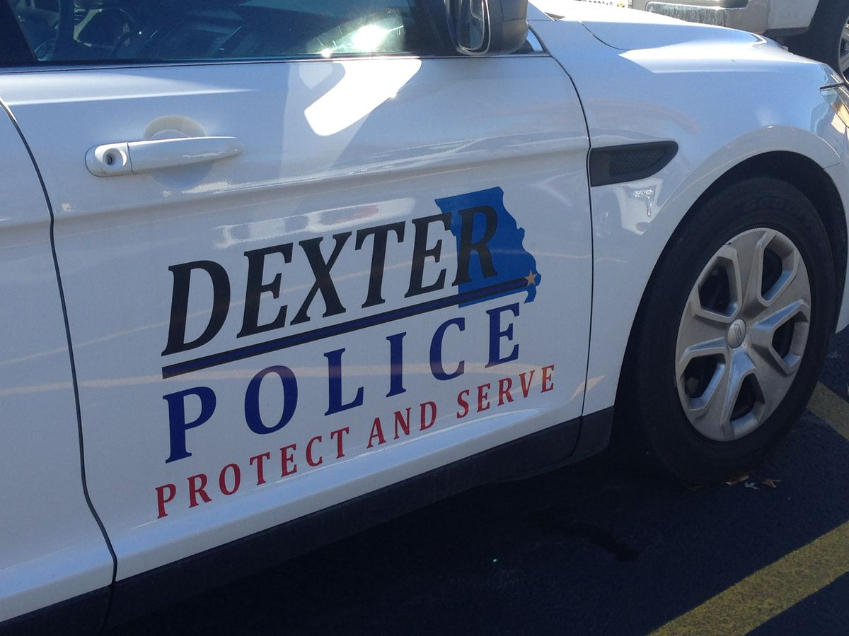 Police: 2 guitars taken during burglary at church in Dexter, MO