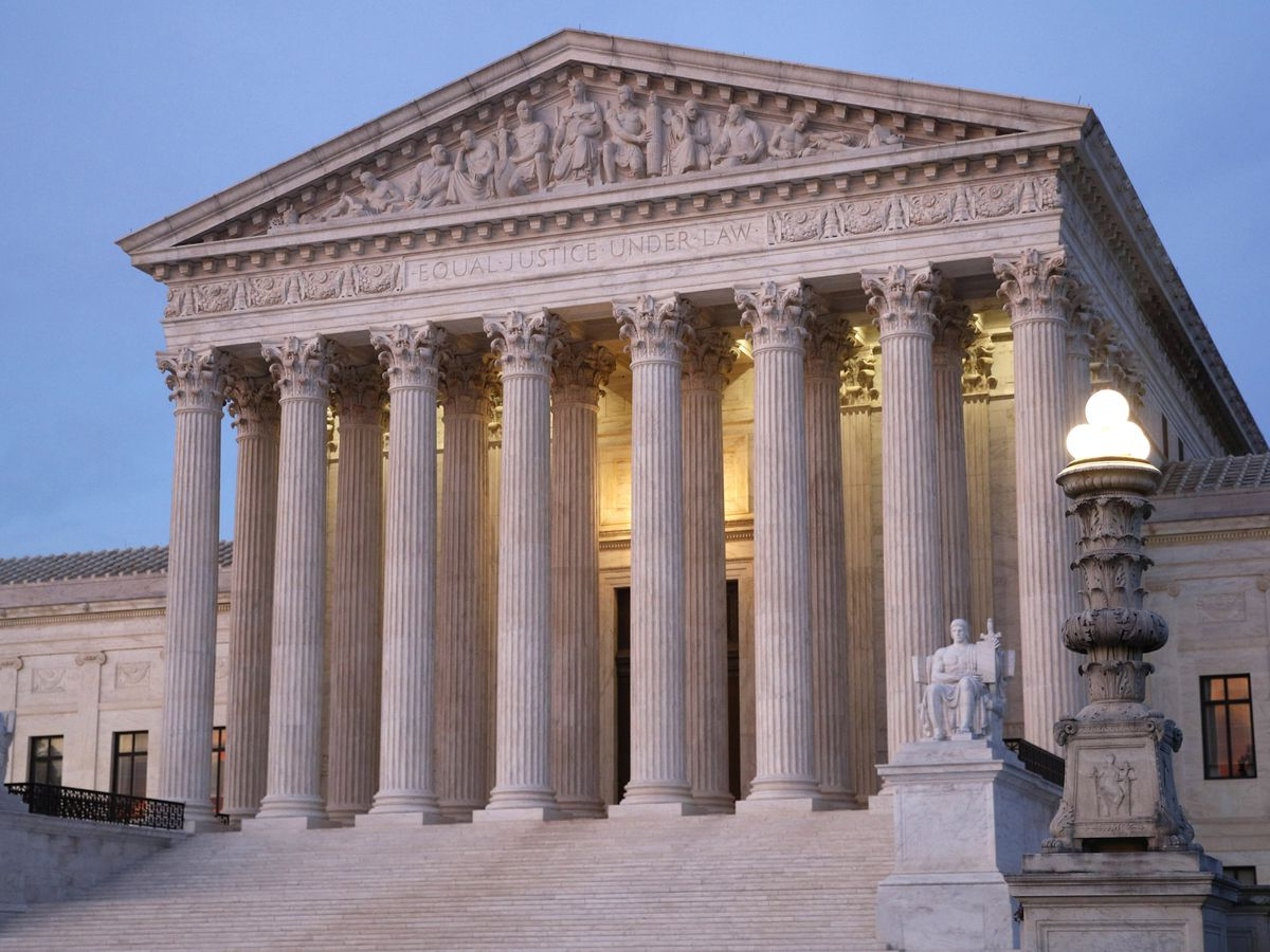 Supreme Court justices rule for federal employee over age discrimination
