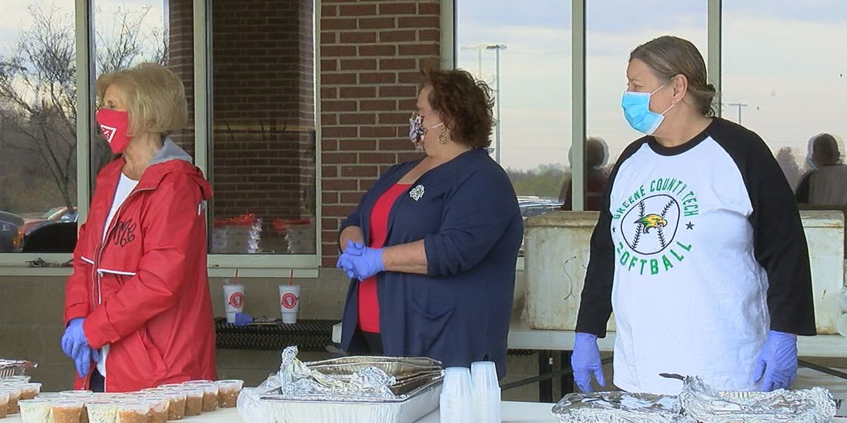 Greene County Tech serves free meal to those who served America