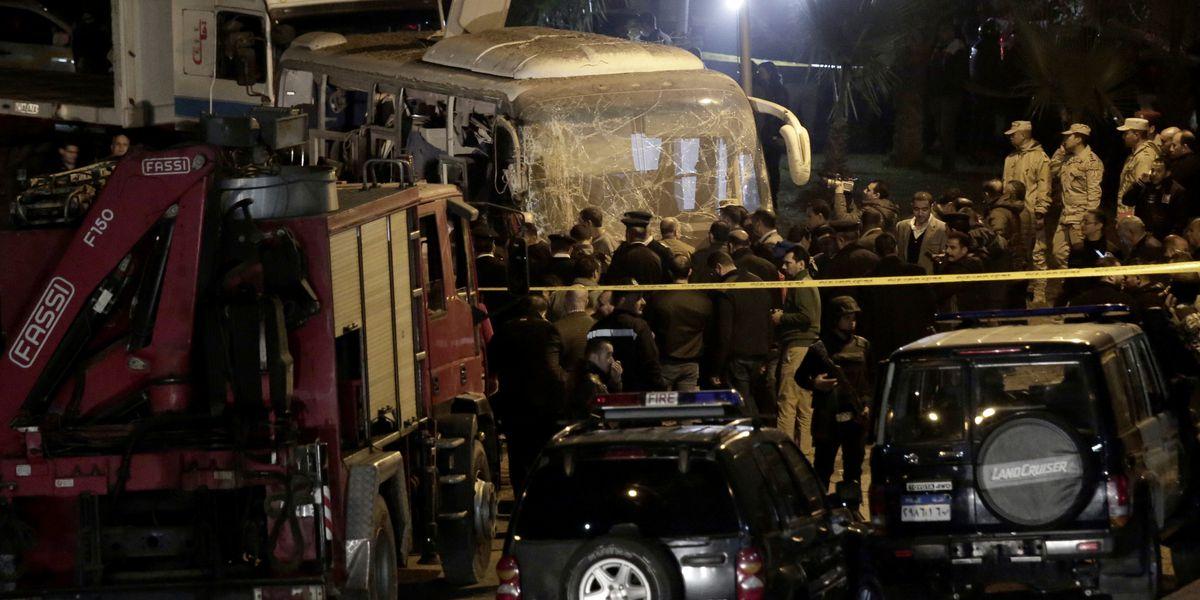 Bomb strikes tourist bus near Egypt's Giza Pyramids, kills 4