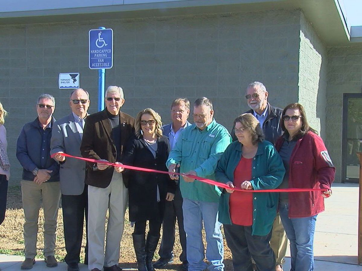 Town holds ribbon cutting ceremony to announce opening of storm shelter