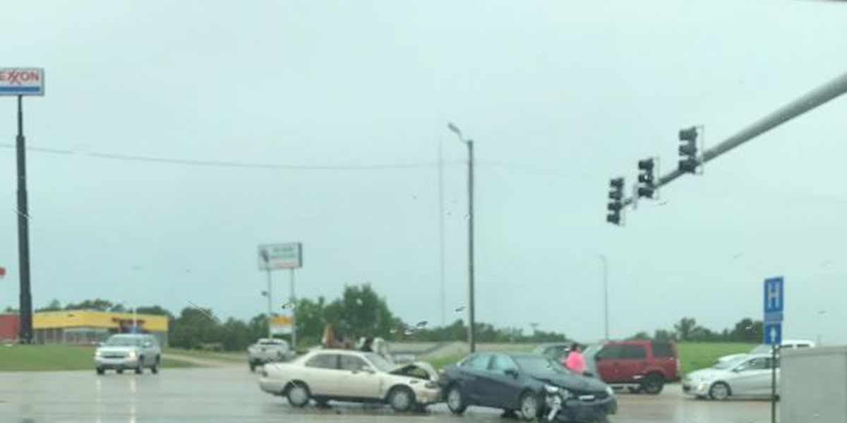 Crash with injuries stops traffic at busy Jonesboro intersection