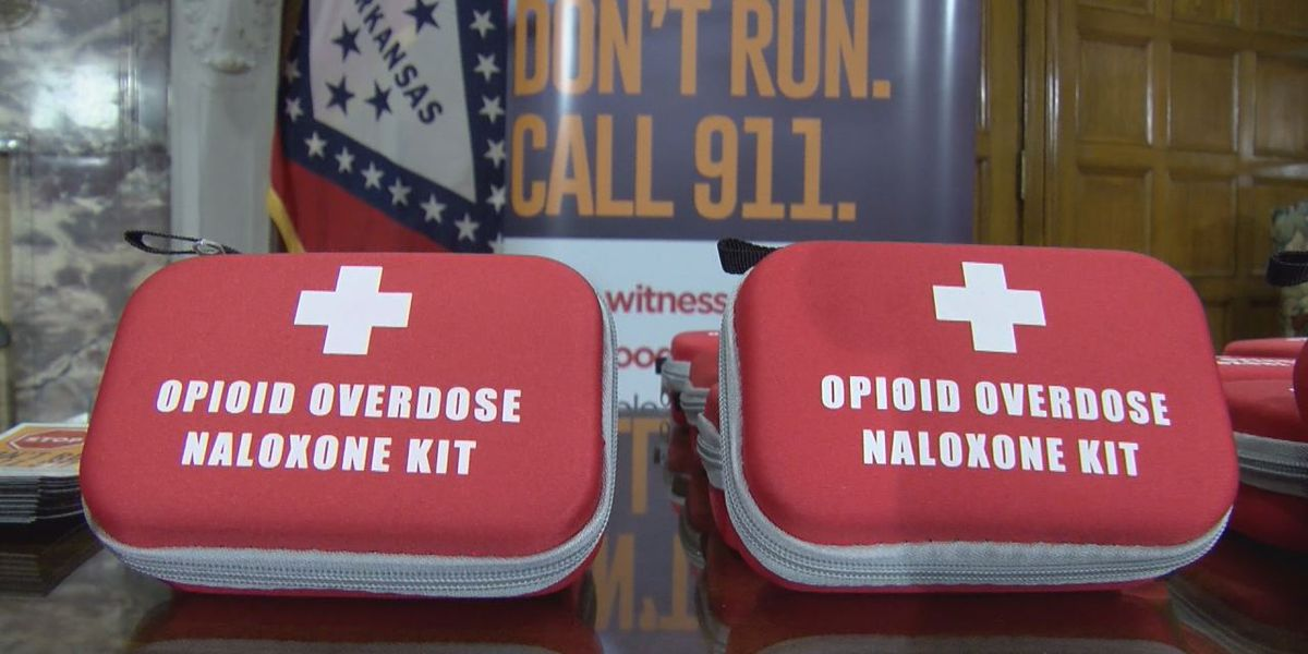 School nurses to receive training to combat opioid overdoses