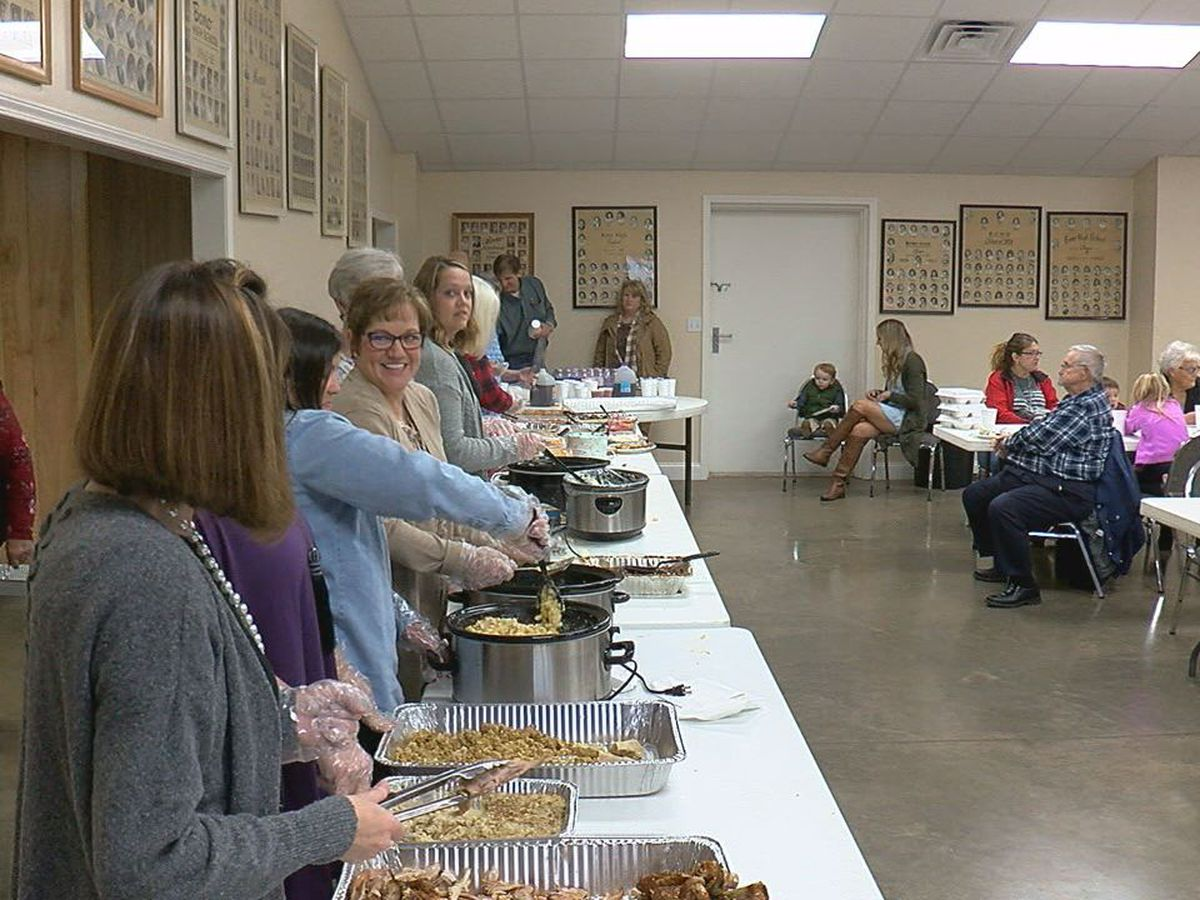 Bono residents come together for dinner