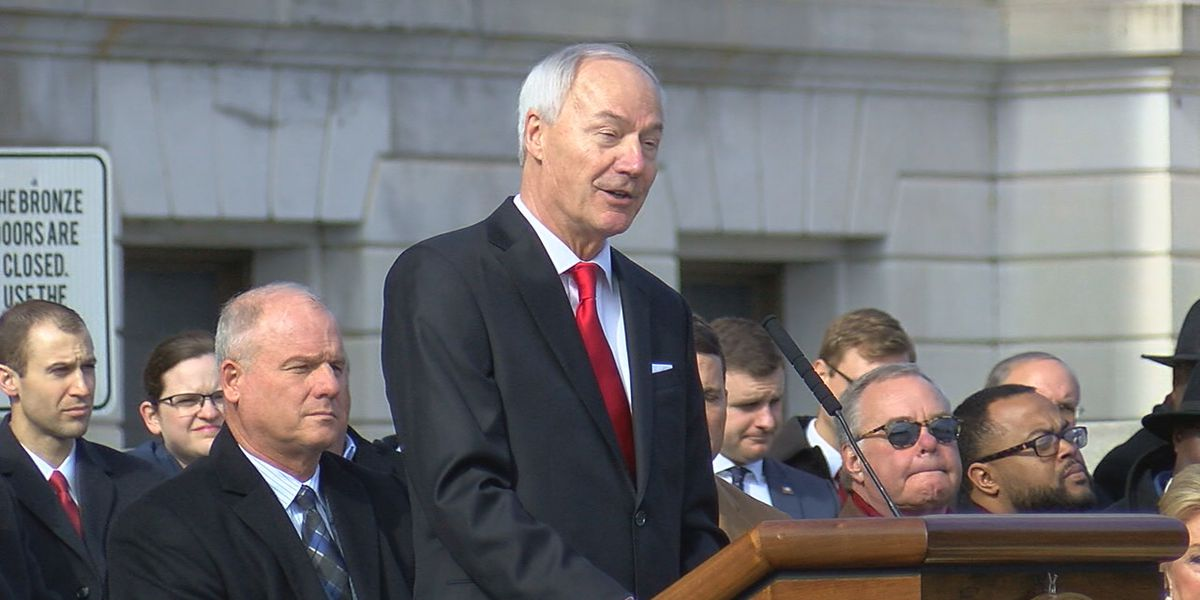 Governor Hutchinson delivers inaugural speech