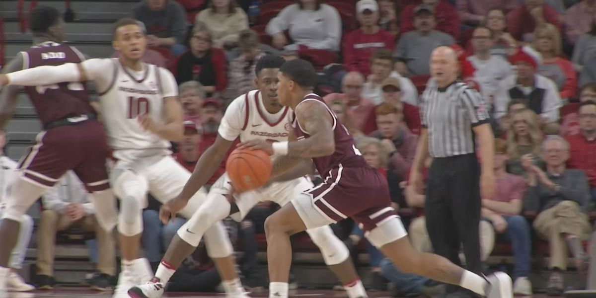 Hogs struggle in second half in loss to Mississippi State
