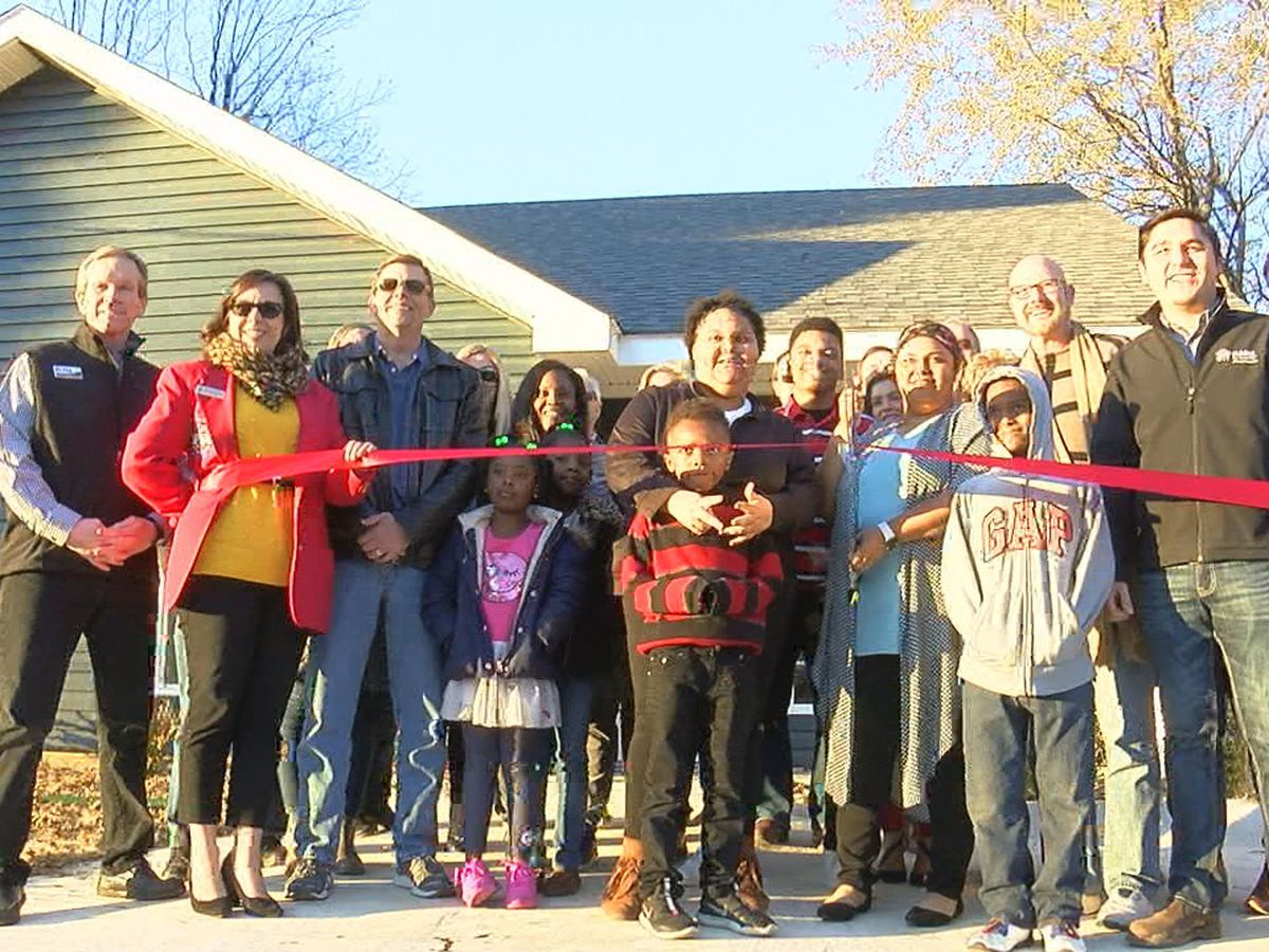 Habitat for Humanity finishes 21st home, gives keys to new homeowner