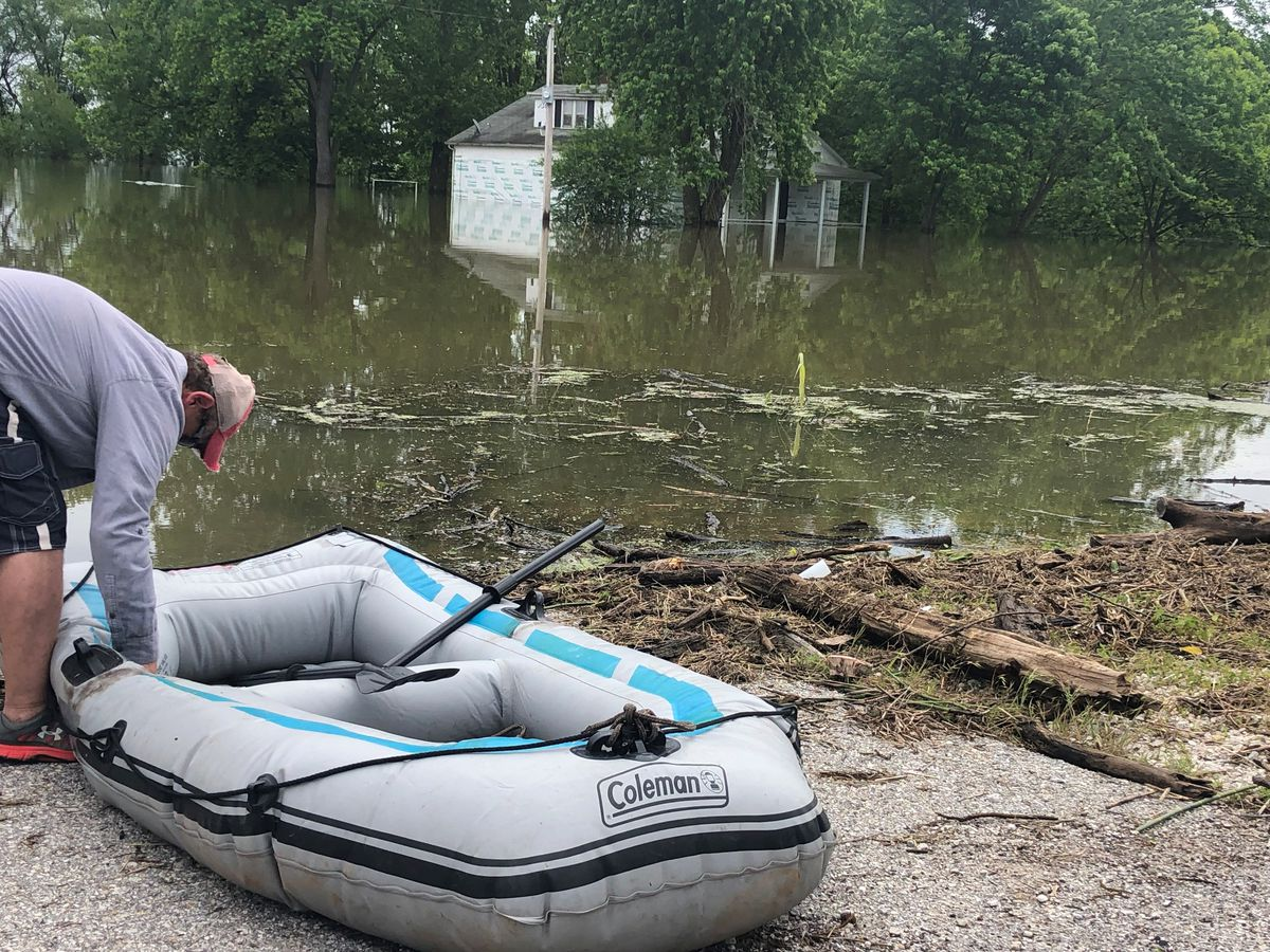 Ste. Genevieve man's home trapped in flood waters