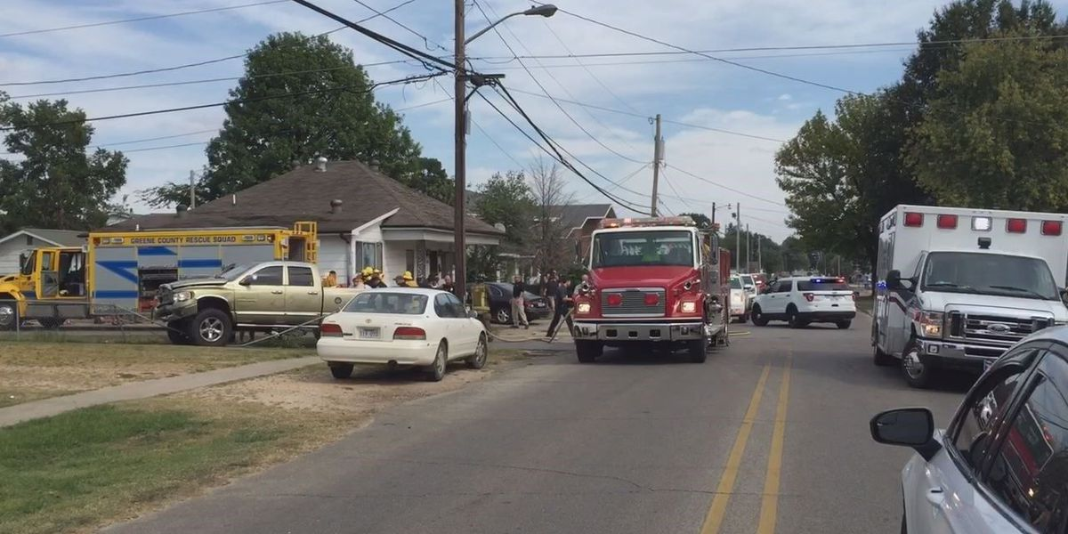 One person airlifted following crash in Paragould