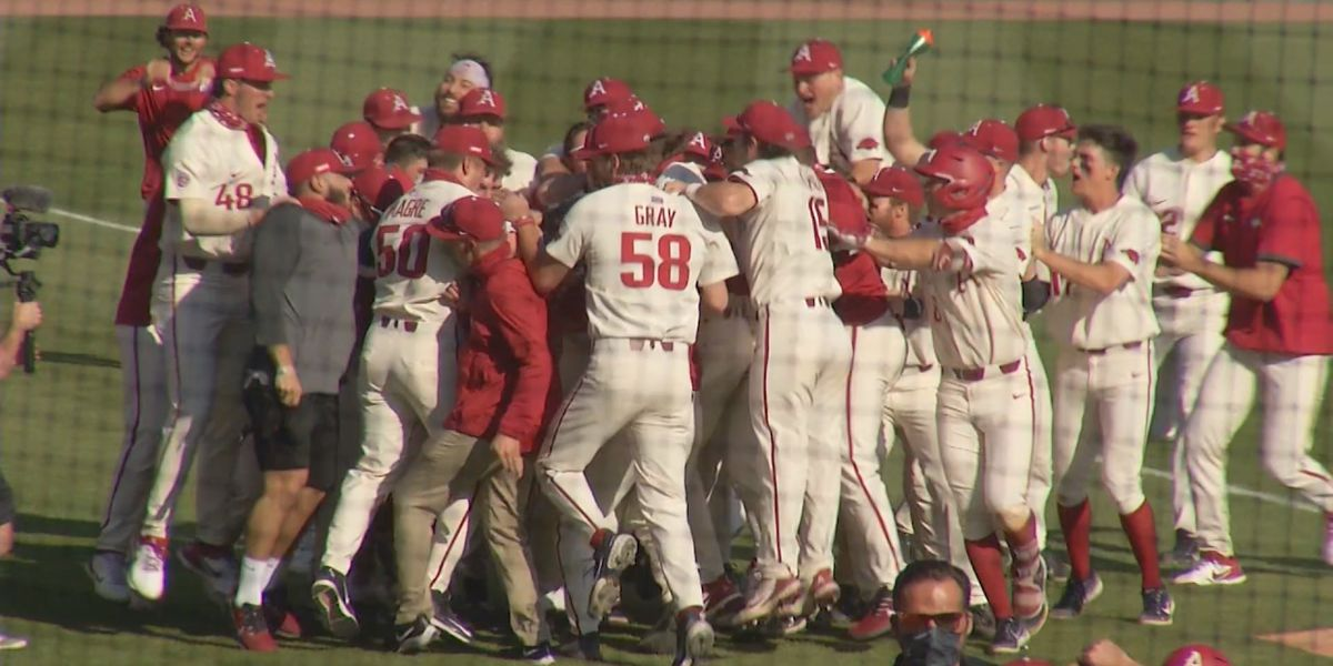 Arkansas rallies again to beat Auburn